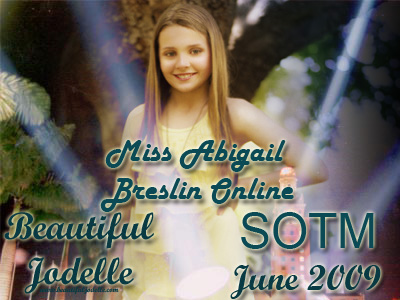 Miss Abigail Breslin Online Site of the Moment